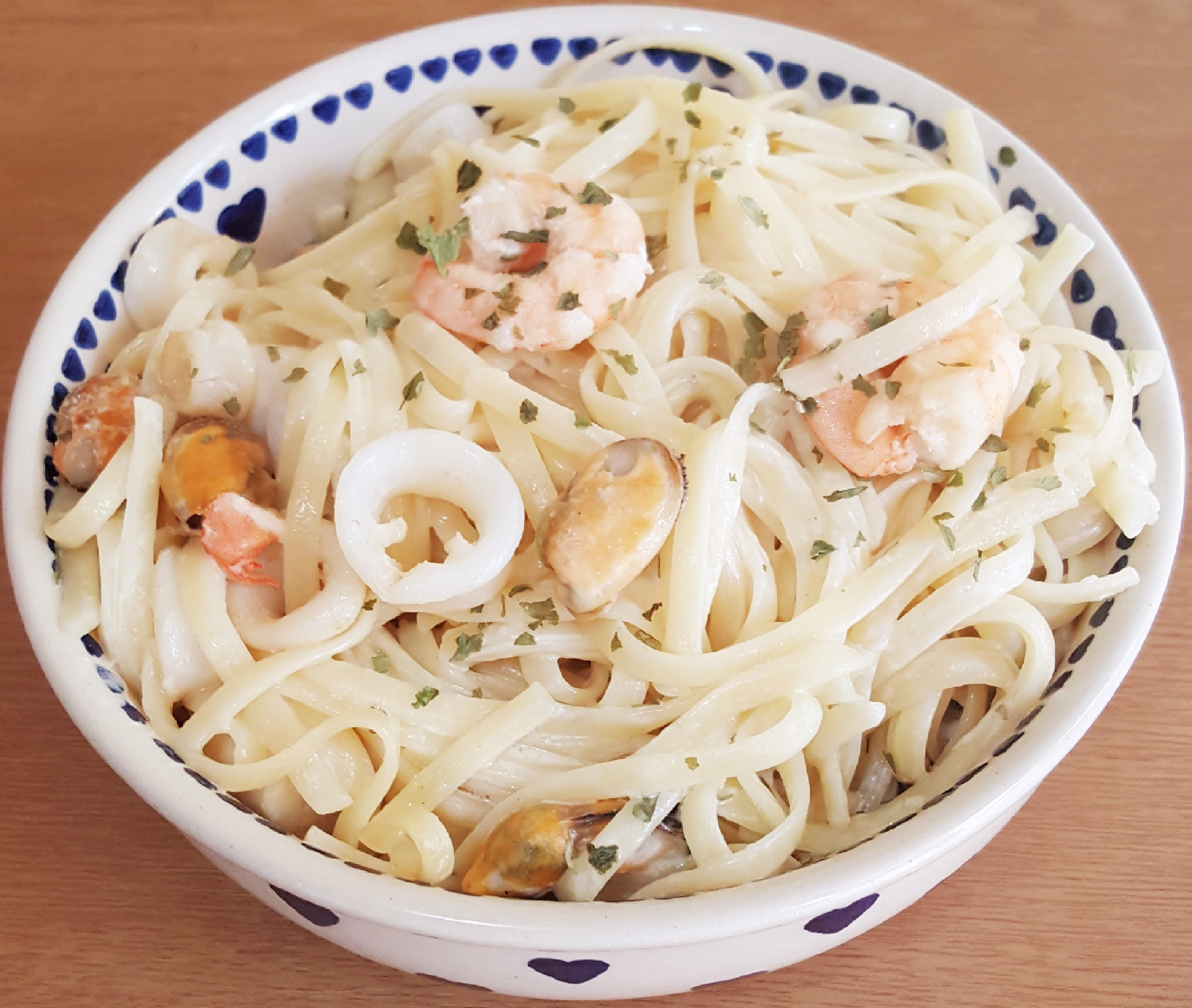 Delicious seafood linguine